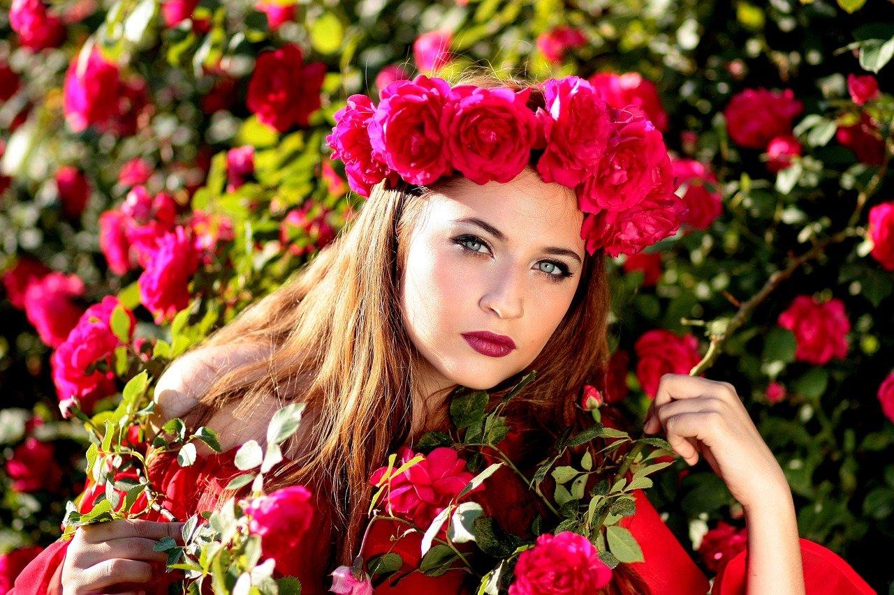 La couronne de fleurs, toujours tendance cet été !