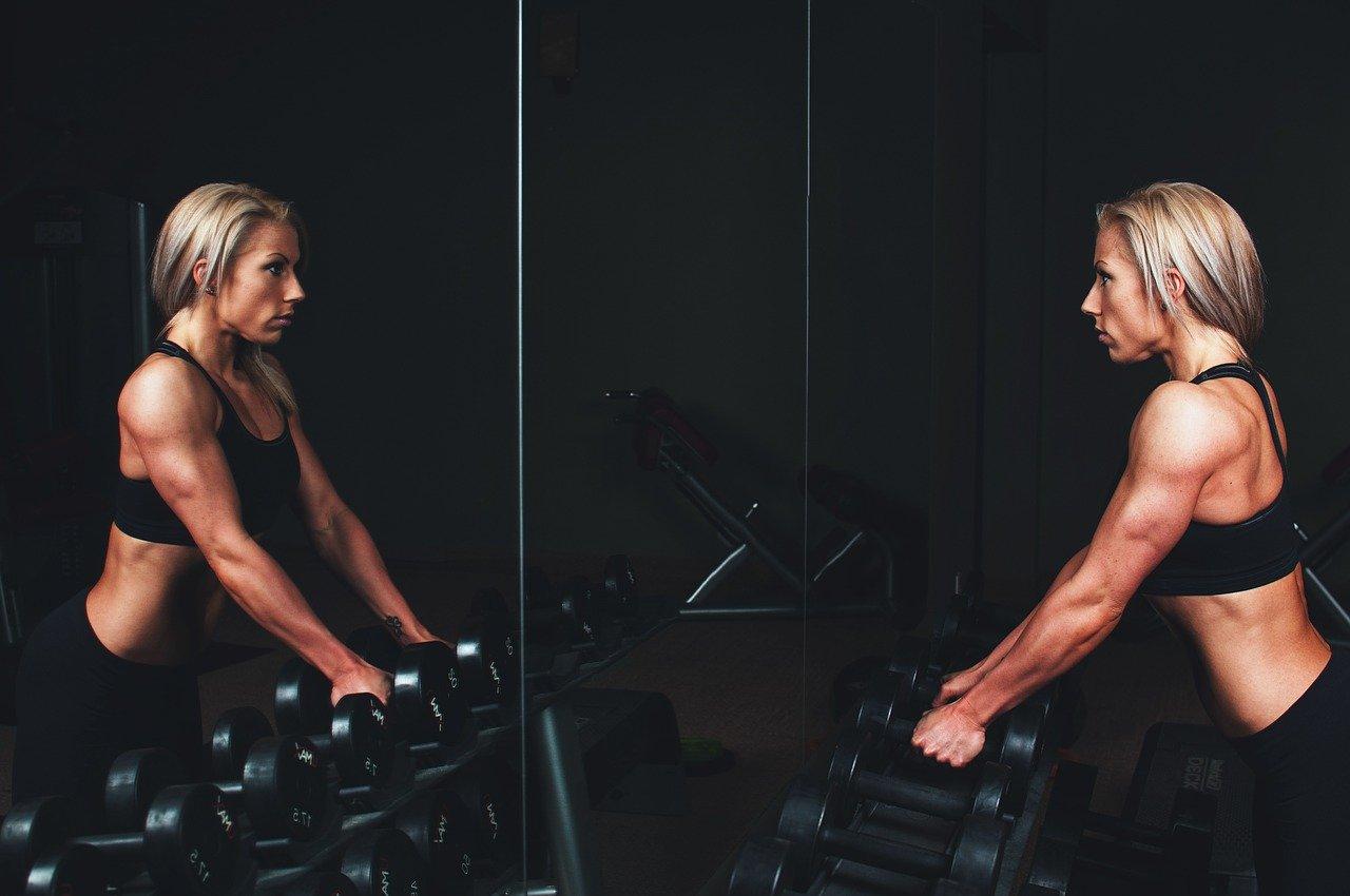 30 minutes d'exercices simples à faire chez soi pour un corps tonique