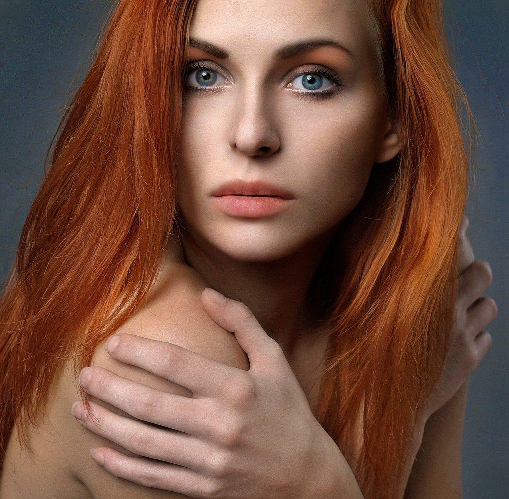 cheveux soyeux femme