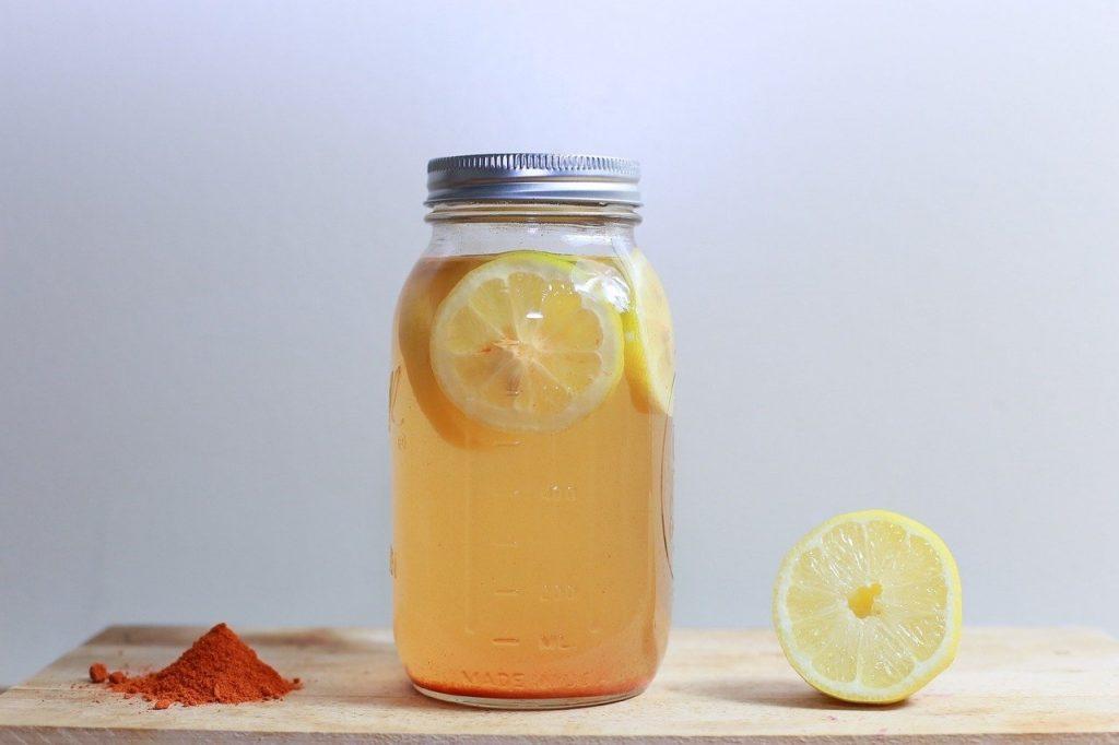 jus de citron chaud
